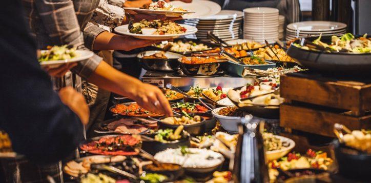 weekend-brunch-seasons-restaurant